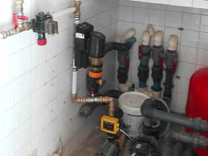 Kontrollieren der Wasserversorgung und Geräte